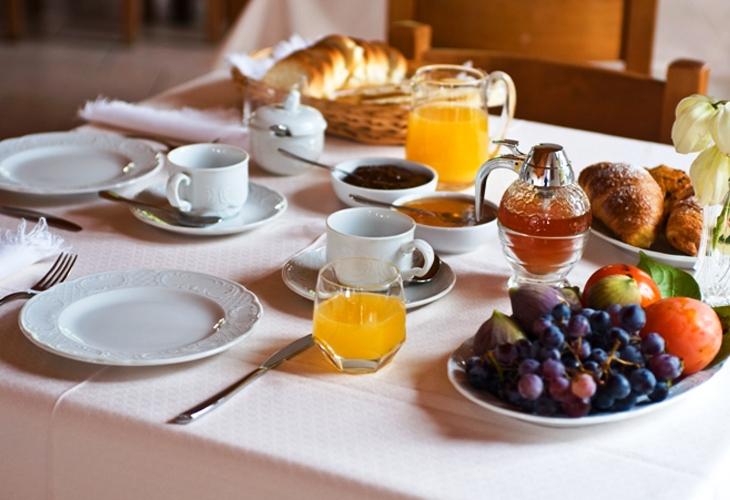 hotel-boni-cerri-spoleto-camera-colazione-2